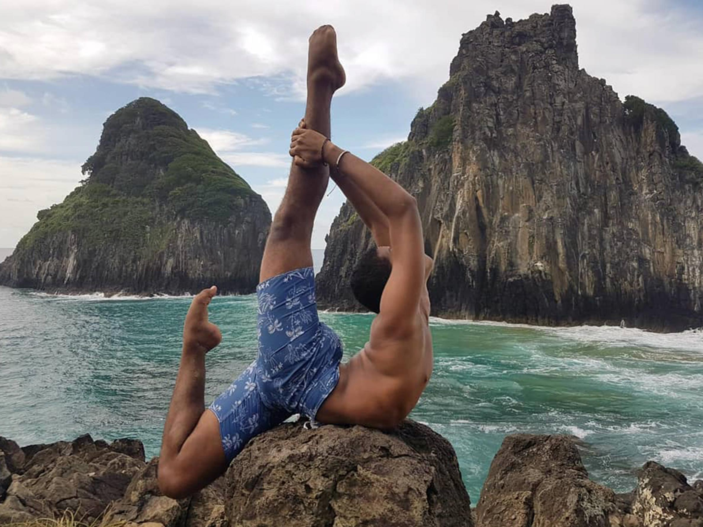 Interview with a contortionist: Euler Kalebe